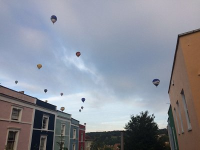 view of the balloon fiesta 2017 from the shed garden.